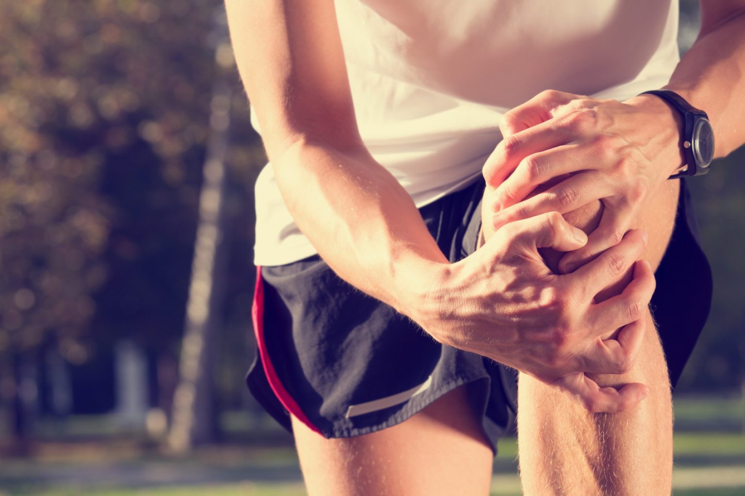 Knee Pain, And When You Should Contact Your Doctor